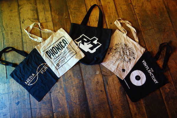 tote-bags-phonicarecords-merchandise